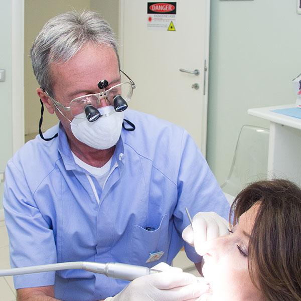 dr-francesco-fabro-dentista-a-padova-home